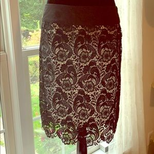 NWT GRACIA LACE LINED BLK SKIRT SZL